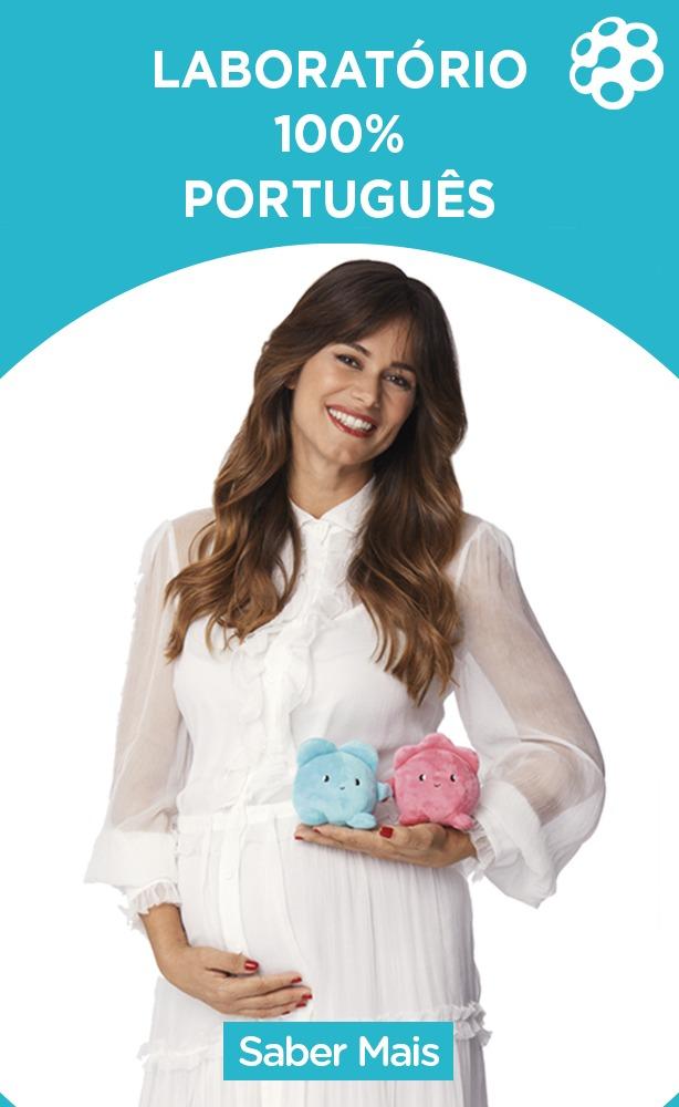 Cláudia Vieira segura mascotes BebéVida