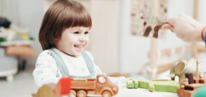 Como limpar os brinquedos do bebé
